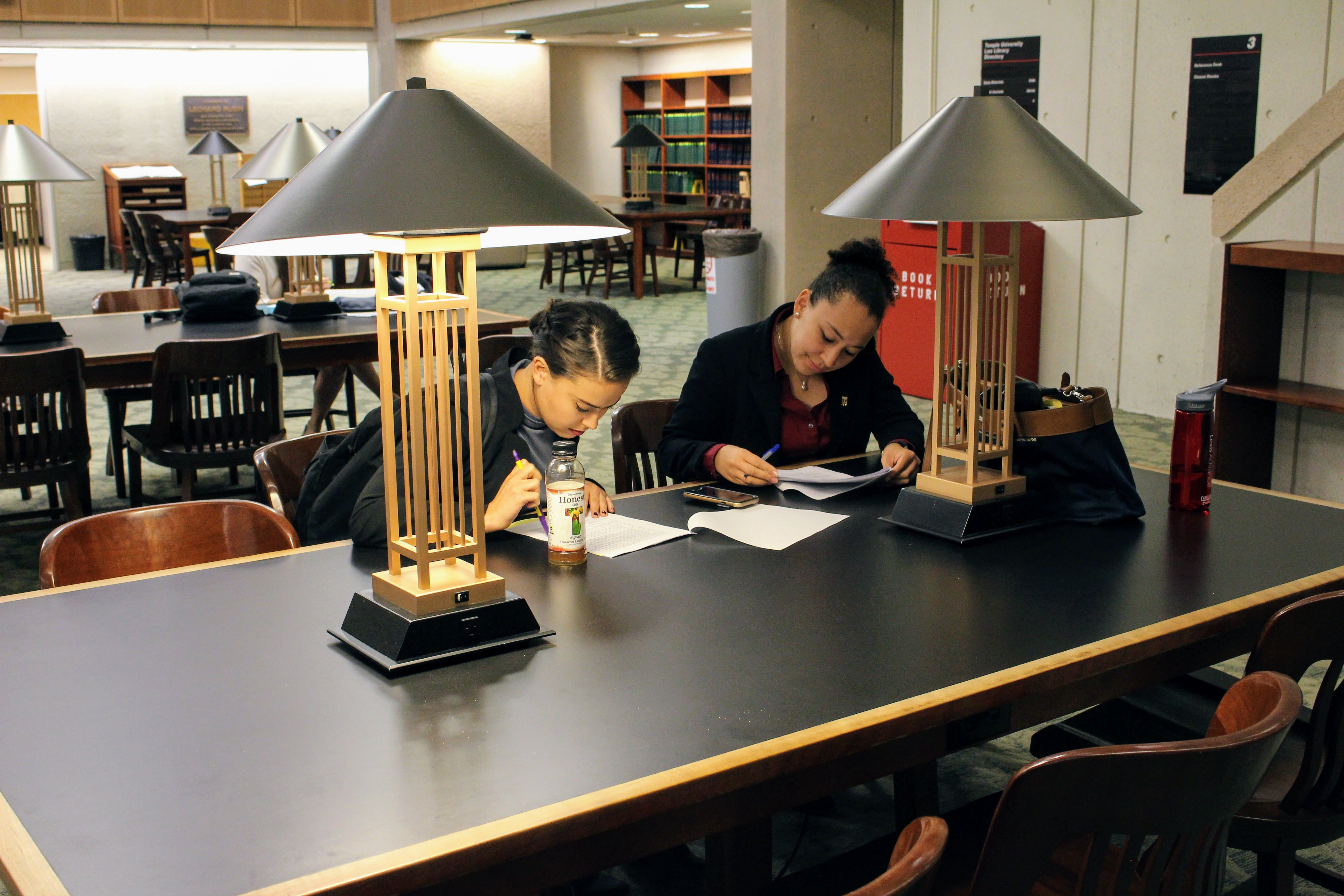 Students prepare for Temple Law's innovative first-year experiential course, Introduction to Transactional Skills.